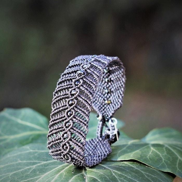 Bijoux fantaisie faits main - Bracelet en dentelle fine gris MIA Provence