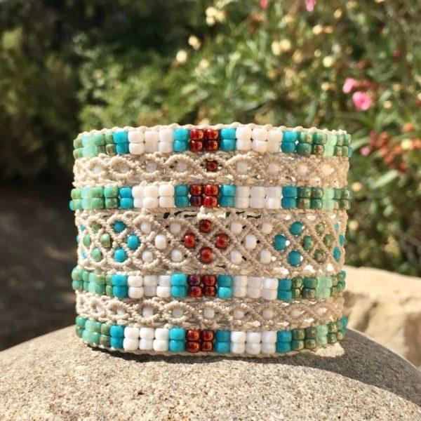 Bracelet machette Le Cannois en micro-macramé et perles de rocaille