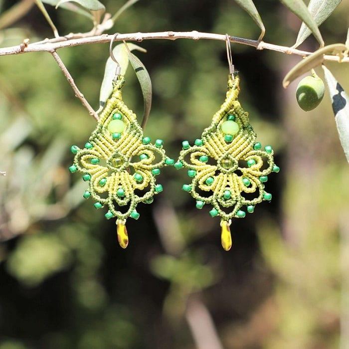 Symbolique des couleurs - Boucle d'oreille bohème vert fantaisie Aix-en-Provence-MIA Provence