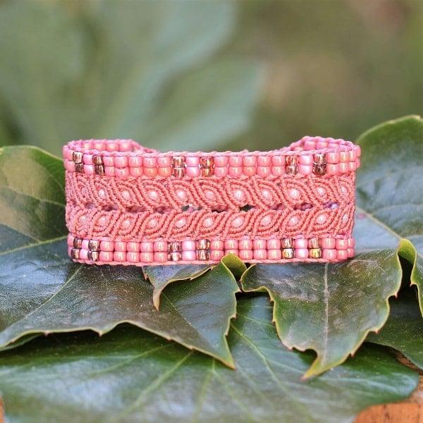 Symbolique des couleurs - Bracelet large rose fait-main sur mesure - MIA PROVENCE