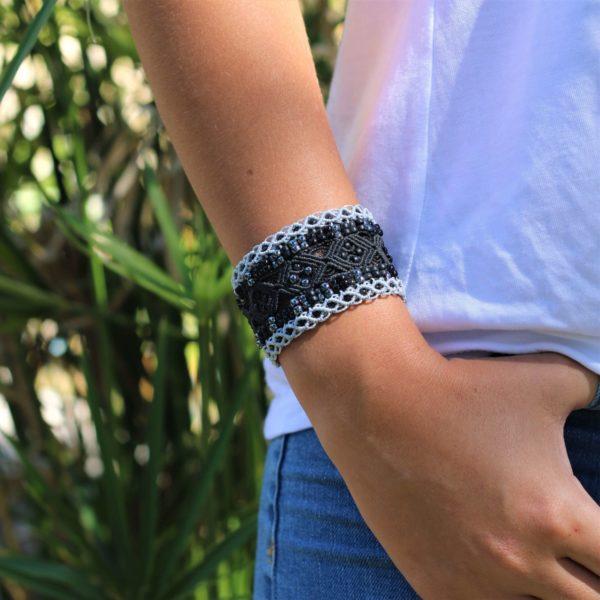 Bracelet manchette le Nîmois XL noir, torsades latérales grises