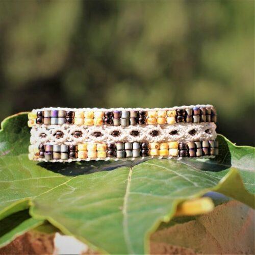 Bracelet en perles de rocaille beige