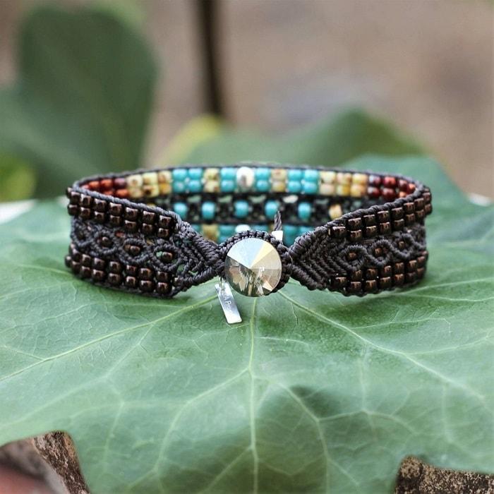 Fermeture par boutonnière du bracelet en perles de rocaille