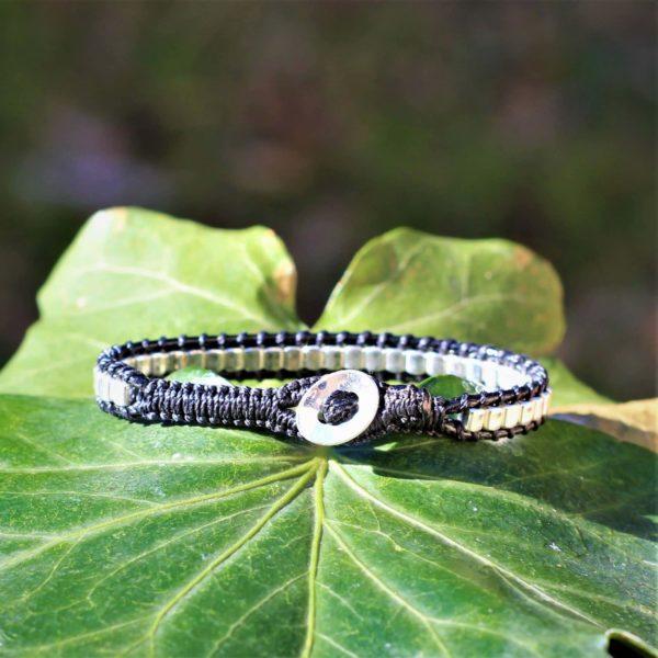 Bracelet Endoume noir pour femme en argent 925. Vue du bouton en argent