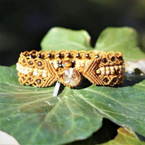 Bracelet le Marseillais version double rangée de perles de rocaille au centre. Vue de la fermeture