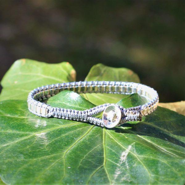 Bracelet Endoume gris pour femme en argent 925. Vue du bouton en argent