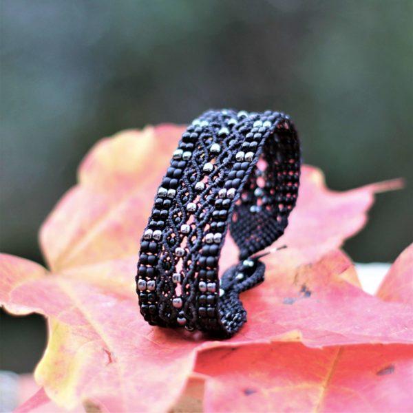 Bracelet Le Tropézien noir avec perles gris hématite - Bijoux made in france