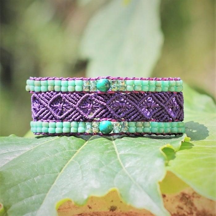 Symbolique des couleurs - Bracelet artisanal femme style bohème violet le Toulonnais violet et turquoise- Symbolique des couleurs