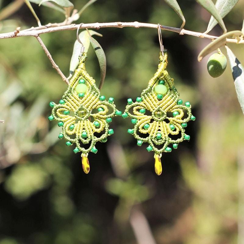 Boucles d'oreilles bohème jaune lime - Symbolique des couleurs