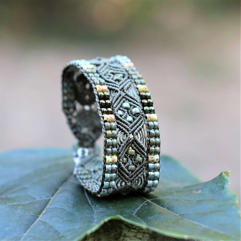 Bijoux fantaisie faits main - Bracelet ethnique femme kaki - bijou fantaisie fait main en France - MIA Provence