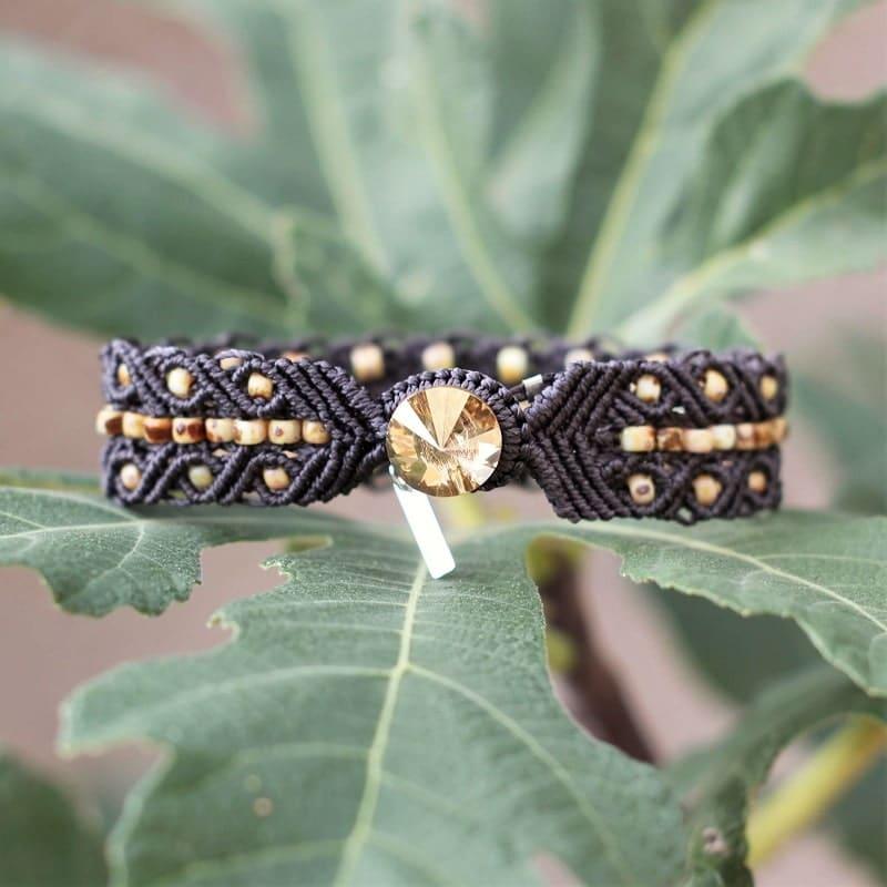 Bouton de fermeture du bracelet bohème chic marron foncé