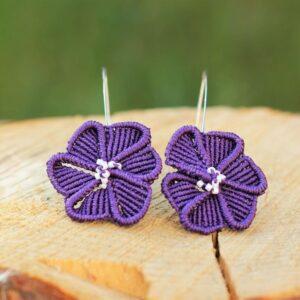 Boucles d'oreilles originales à fleur violette