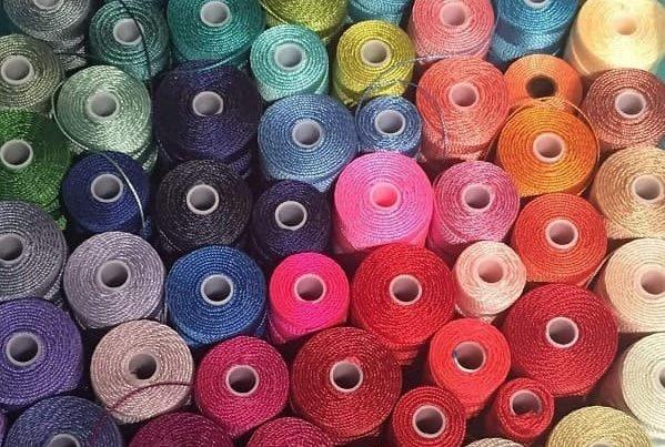 Bijoux fantaisie faits main - Symbolique des couleurs - Les 115 couleurs de fil pour la réalisation de vos bijoux fantaisie MIA Provence