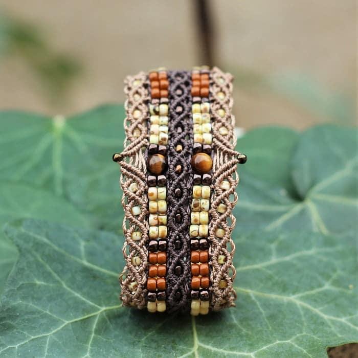 Symbolique des couleurs - Joli bracelet large marron pour femme marron - bijou fantaisie fait main MIA Provence