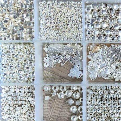 Perles et apprêts en argent pour personnalisation de bijoux fantaisie MIA Provence