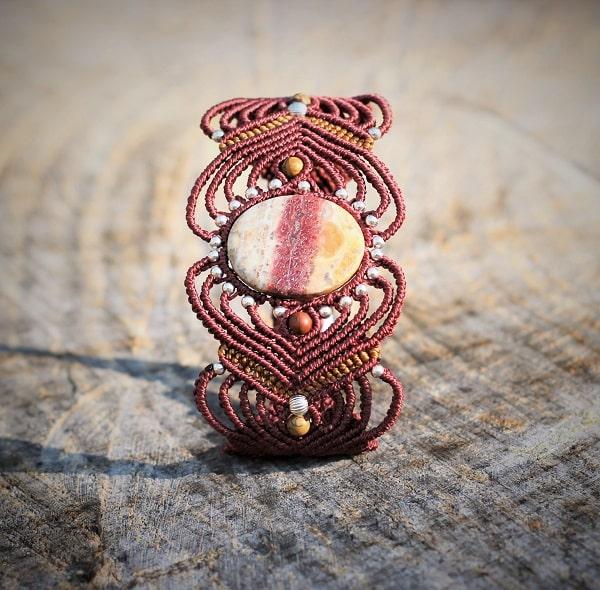 Créatrice de bijoux fantaisie - blog bijoux fantaisie - bracelet style ethnique avec différentes pierres semi précieuses pierres fines - MIA Provence